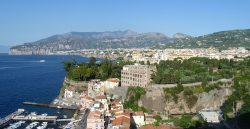 1280px-view_of_sorrento